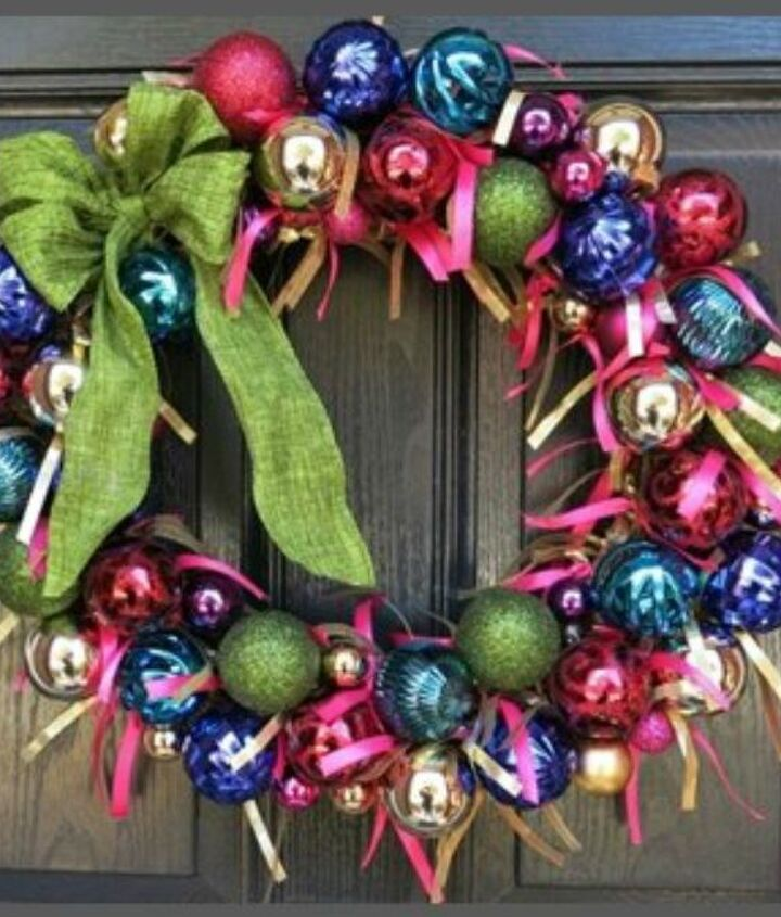 s raise your home s curb appeal with these 15 ornament wreaths, christmas decorations, crafts, curb appeal, home decor, seasonal holiday decor, wreaths, This one with ribbon between the ornaments