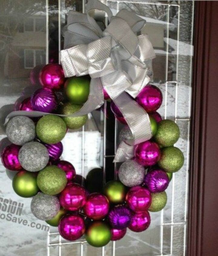 s raise your home s curb appeal with these 15 ornament wreaths, christmas decorations, crafts, curb appeal, home decor, seasonal holiday decor, wreaths, Or this one that doesn t need a hot glue gun