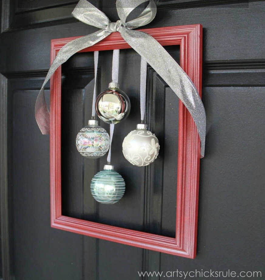 Christmas Gift Appeal: Raise Your Home's Curb Appeal With These 15 Ornament