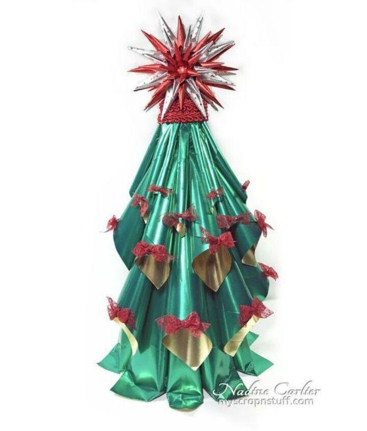 s fold tin foil for these breathtaking christmas decor ideas, christmas decorations, home decor, This impressive mini Christmas tree