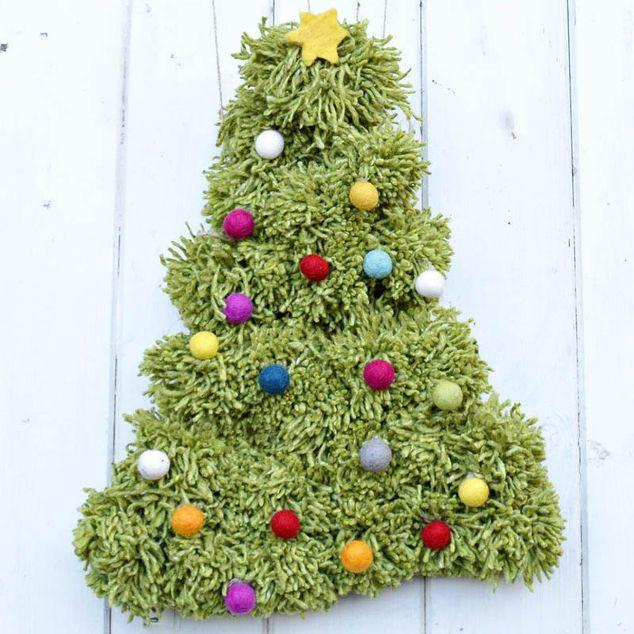 how to make a pom pom christmas tree wall hanging how to - Wall Hanging Christmas Tree