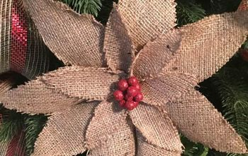 How to Easily Make a Burlap Poinsettia