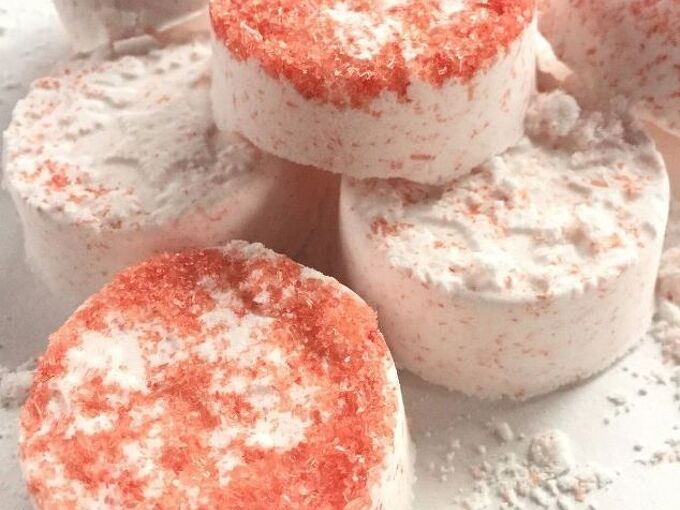 easy recipe for the most blissful diy peppermint bath bombs, bathroom ideas