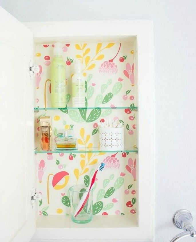 s how to get a gorgeous bathroom in less than three hours, bathroom ideas, how to, Refresh your medicine cabinet with wallpaper