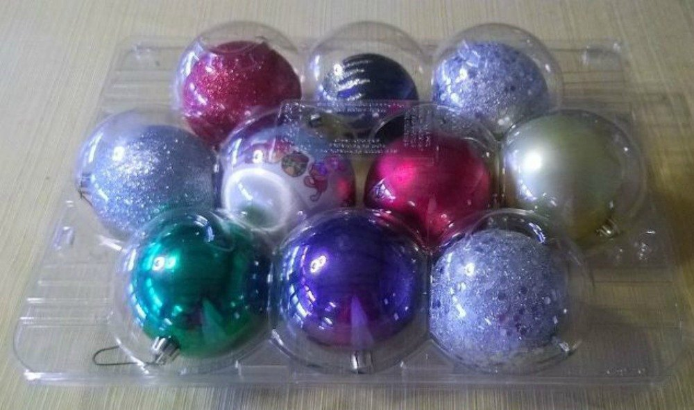 Don't Put Away Your Christmas Decorations Before You See These Hacks | Hometalk