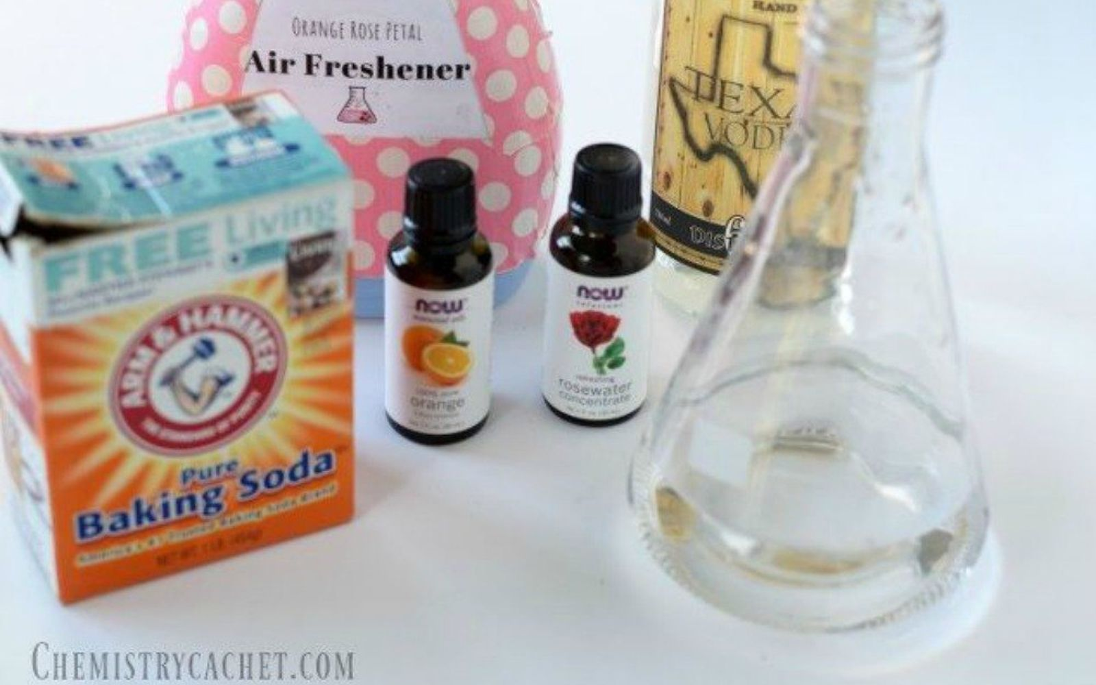 s make your home smell amazing with these diy winter scent ideas, home decor, This homemade orange and rose spray