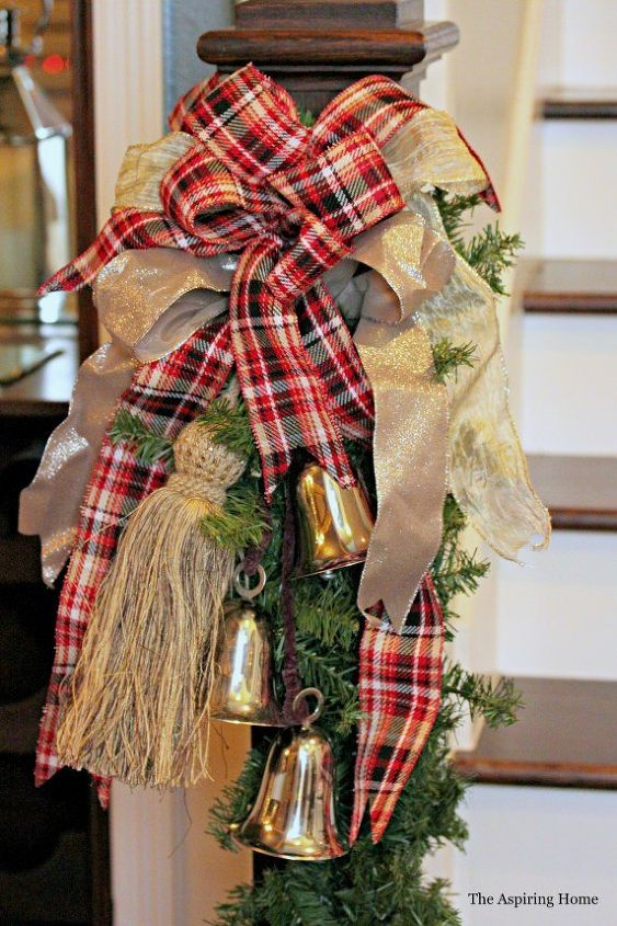 Make A Simple Bow For Your Christmas Decor Decorations Home