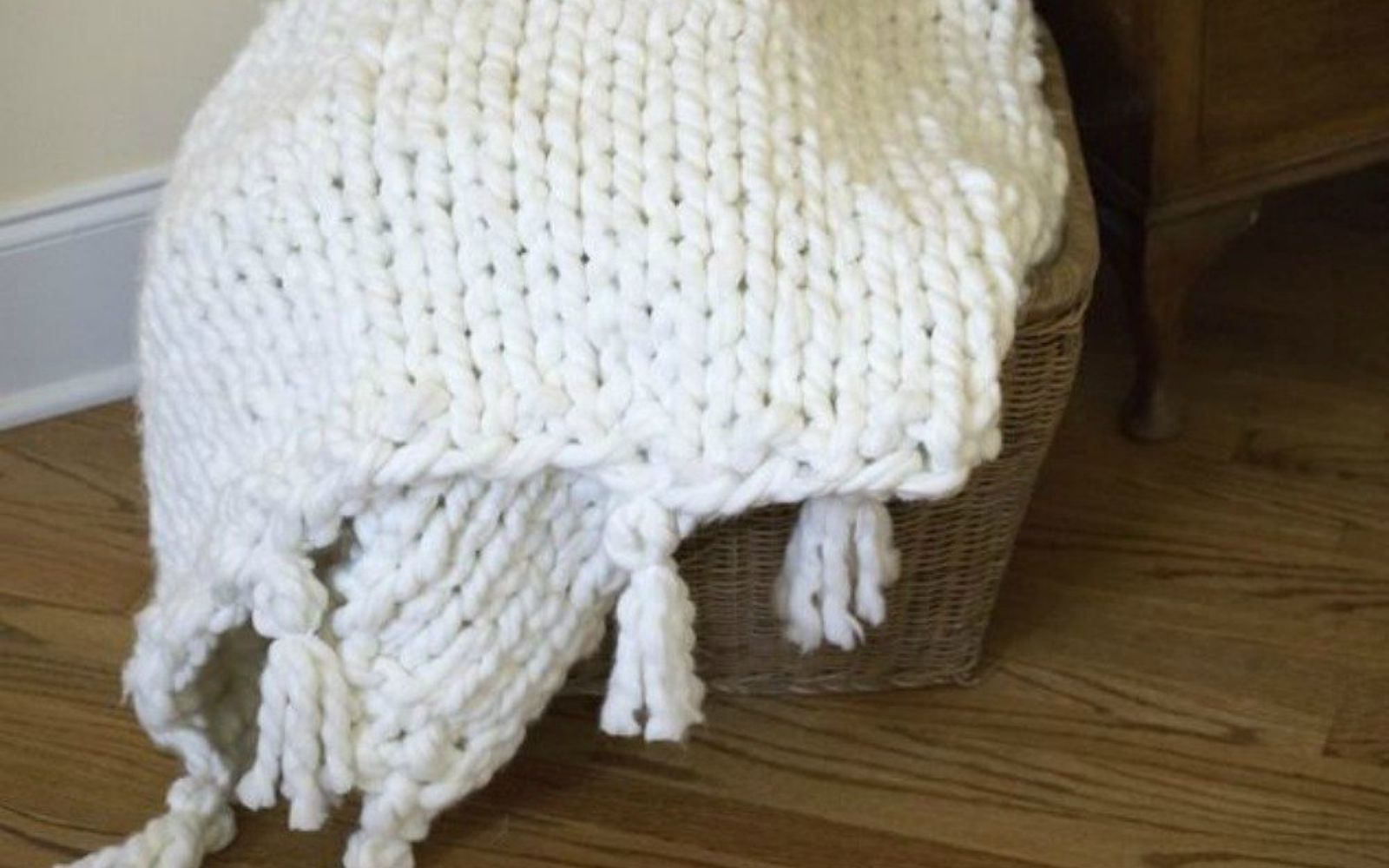 s 16 affordable ways to warm up your home this winter, home decor, Knit your own chunky big blanket