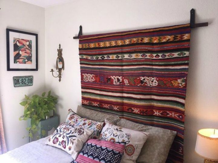 s cut up a belt for these 12 amazing decor ideas, home decor, Loop a rug through them for a wall hanging
