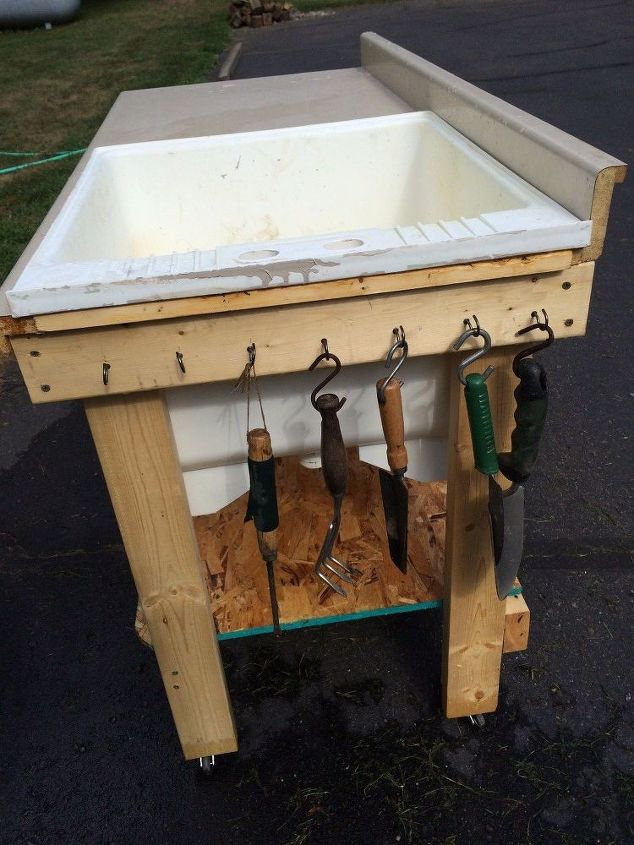 repurposed plastic laundry tub to potting table fish cleaning table, bathroom ideas, cleaning tips, gardening, painted furniture