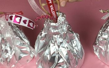 Recycled Valentine's Day Giant Kisses