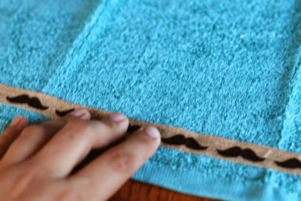 how to make embellished hand towels, bathroom ideas, how to, repurposing upcycling