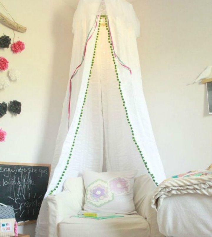 s 13 stylish ideas you ll want to steal for your boring bedroom, bedroom ideas, Or make one out of an embroidery hoop