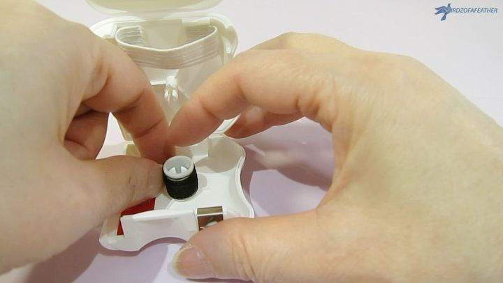 dental floss sewing kit hack
