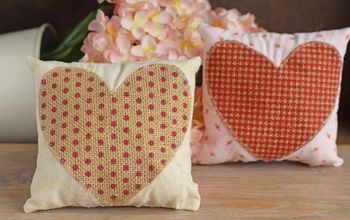 Mini Valentine's Day Pillows With A Burlap Heart