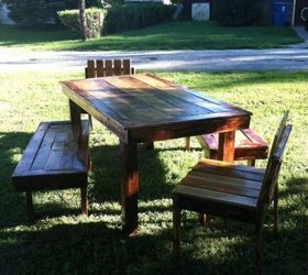 This Gorgeous Pallet Patio Dining Set