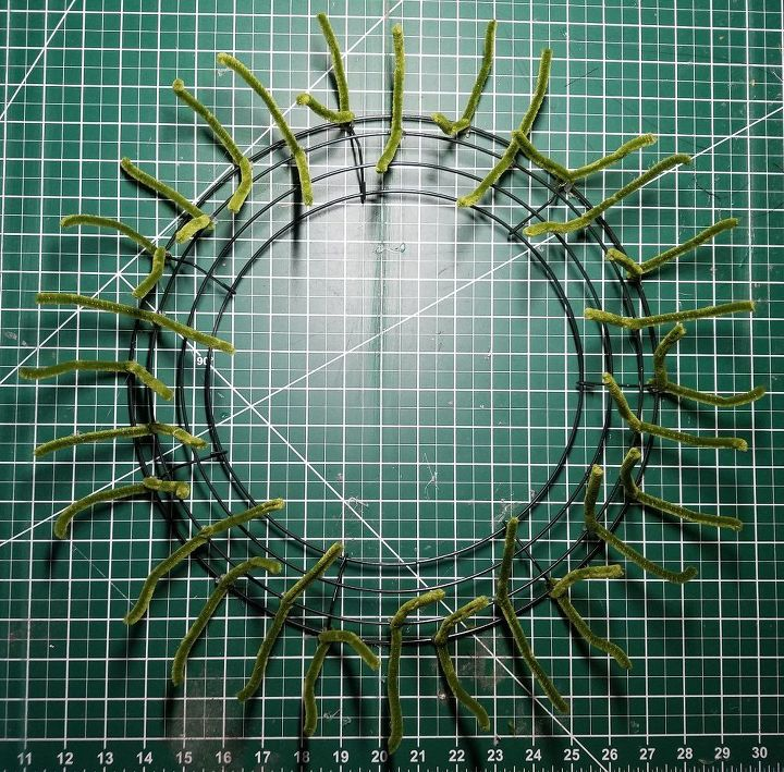 deco mesh poof wreath tutorial, crafts, how to, wreaths