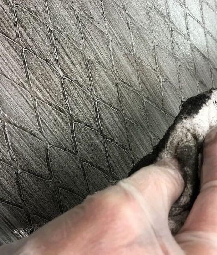 Softening Glaze finish.