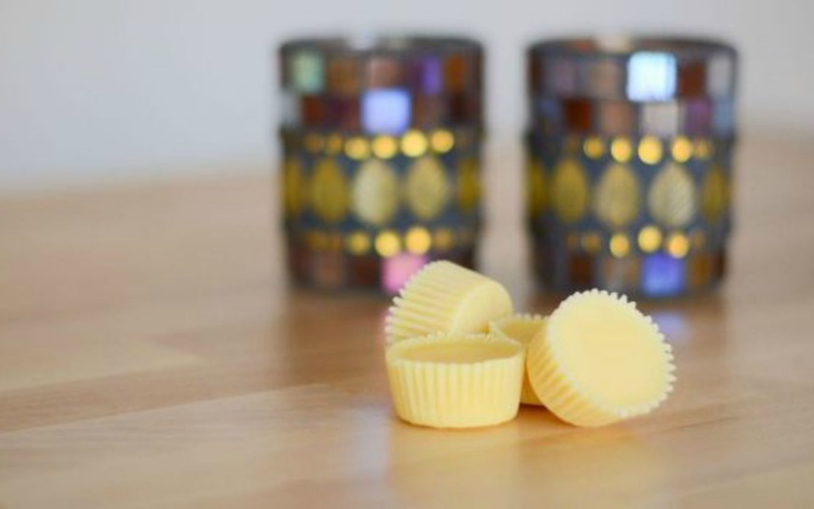 s 15 gorgeous homemade candle ideas you re going to want to try, These adorable buttercup candles
