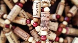 , Wine cork garland