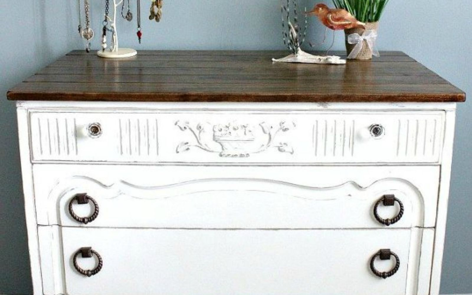 15 Easy Tricks To Give Your Furniture That Gorgeous