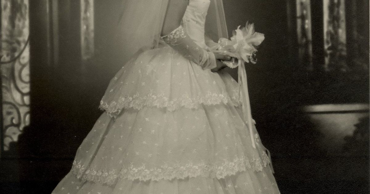 What Can I Do With An Old Wedding Gown