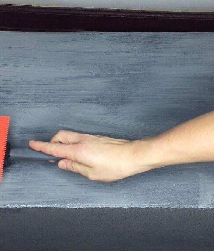 faux wood grain paint technique