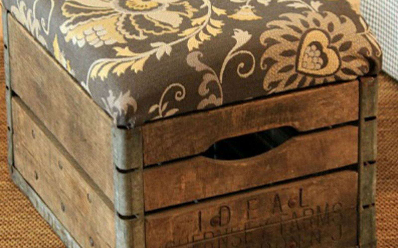 s 12 gorgeous ottoman ideas that will make you want to put your feet up, painted furniture, Add a cushion to a vintage milk crate