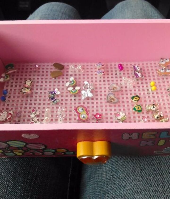 organize all of your earring studs with this easy diy, organizing