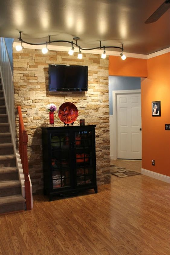 s 11 impressive ways to update your home with stone, concrete masonry, home decor, Use it in your entryway