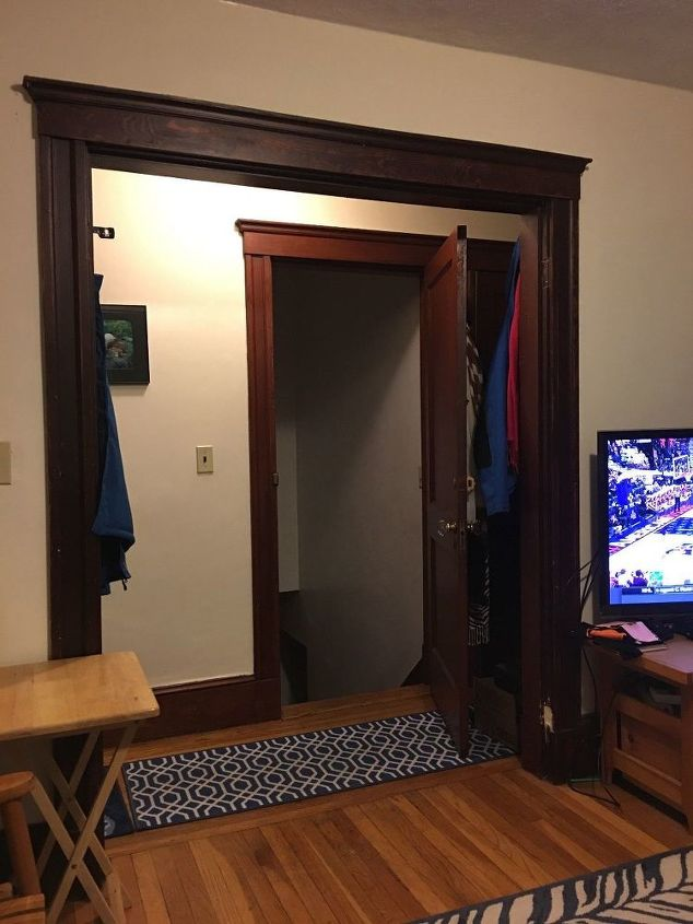 q apartment opens into living room and hallway, foyer