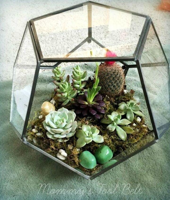 s 21 of the cutest terrariums we ve ever seen, gardening, terrarium, These hanging globe terrariums