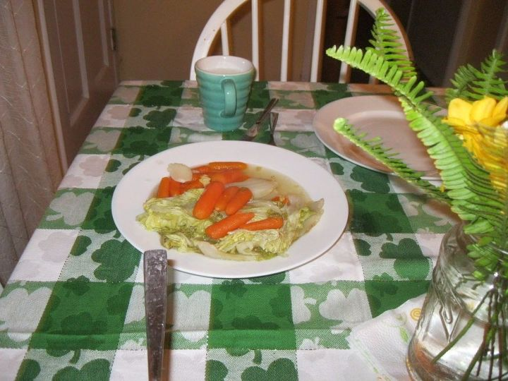 e st patrick s day table