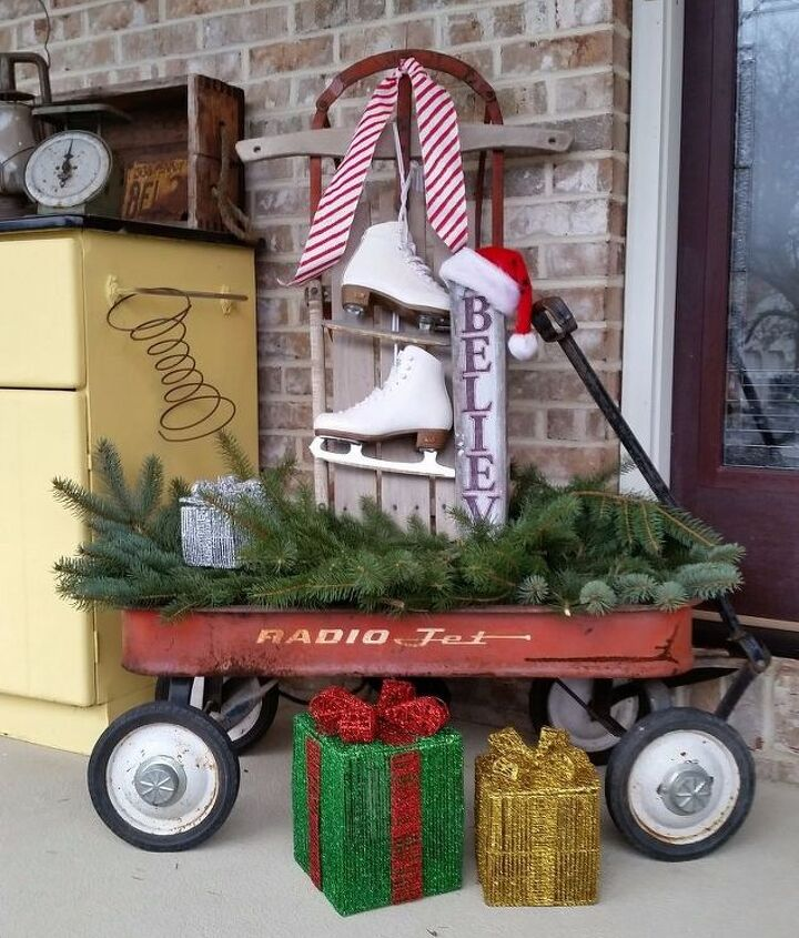 My wagon decorated for Christmas!