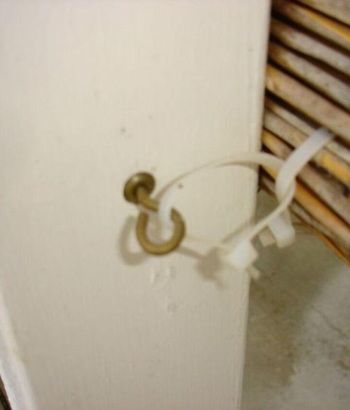 Secure bottom on back side of post.