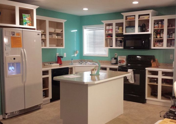 How To Paint Kitchen Cabinets White (BEST Paint For The