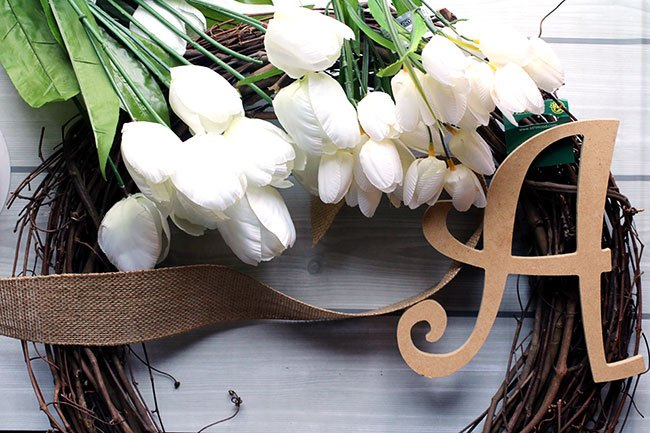 monogrammed tulip wreath with burlap bow