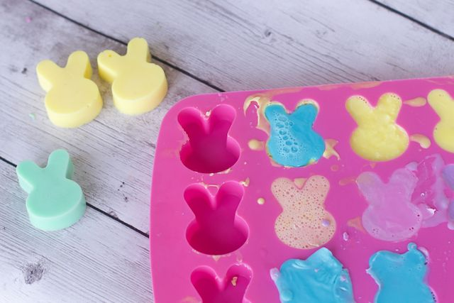 how to make bunny rabbit bar soap