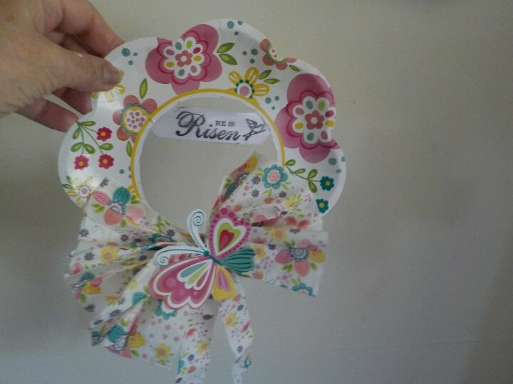 e easter wreath from dollar tree paper plate and napkin