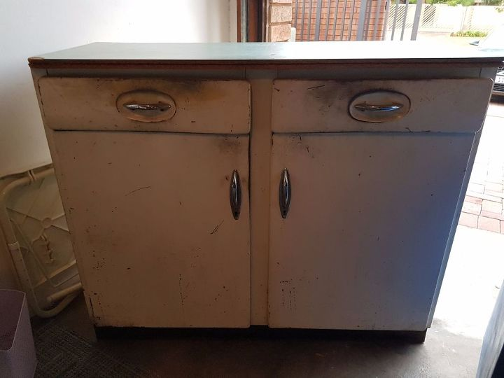 Updating Old Steel Kitchen Cupoards | Hometalk