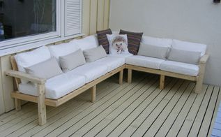 outdoor sofa made from pallet wood