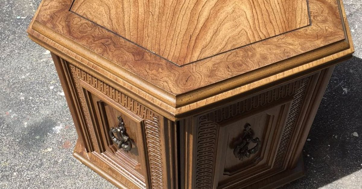 Heirloom Traditions Paint Challenge Dog Bed End Table