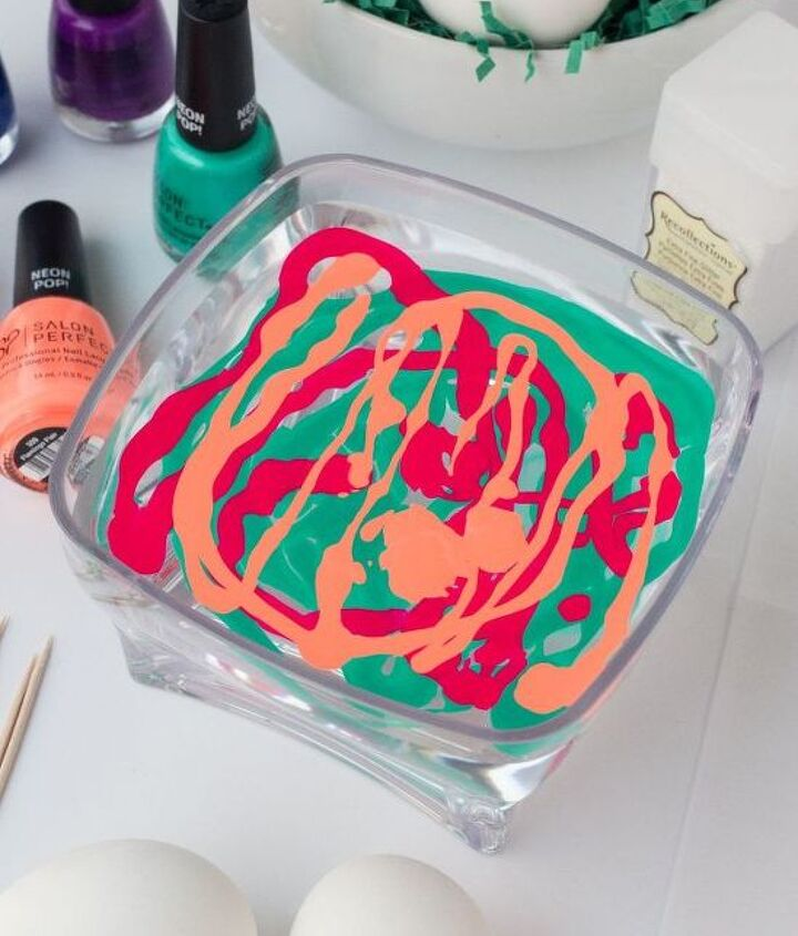 marbled easter eggs using nail polish