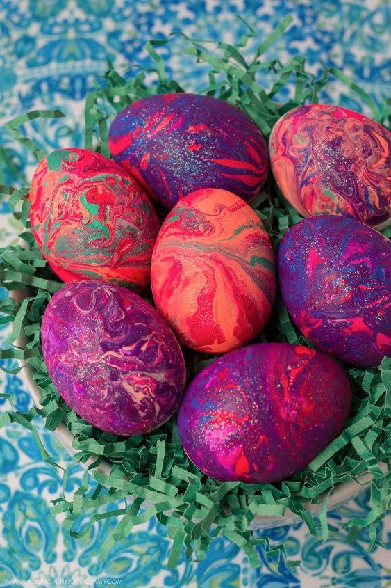 Marbled Easter Eggs Using Nail Polish Hometalk