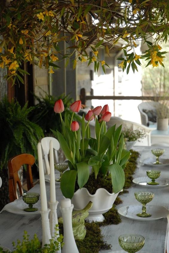thrifted vintage spring tablescape