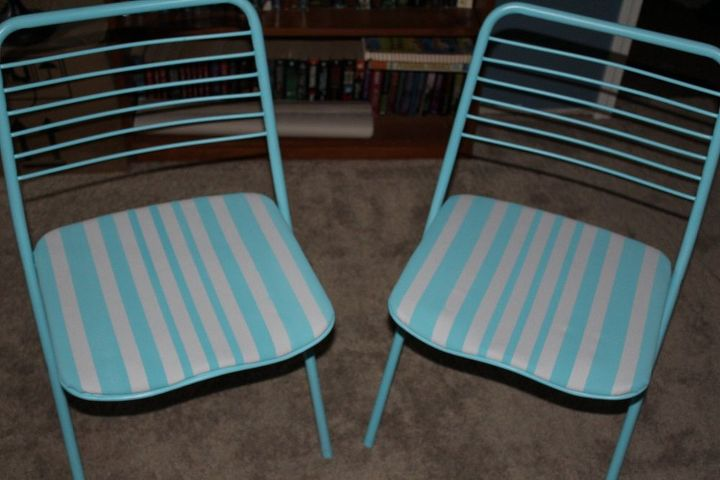 vintage folding chairs get a makeover