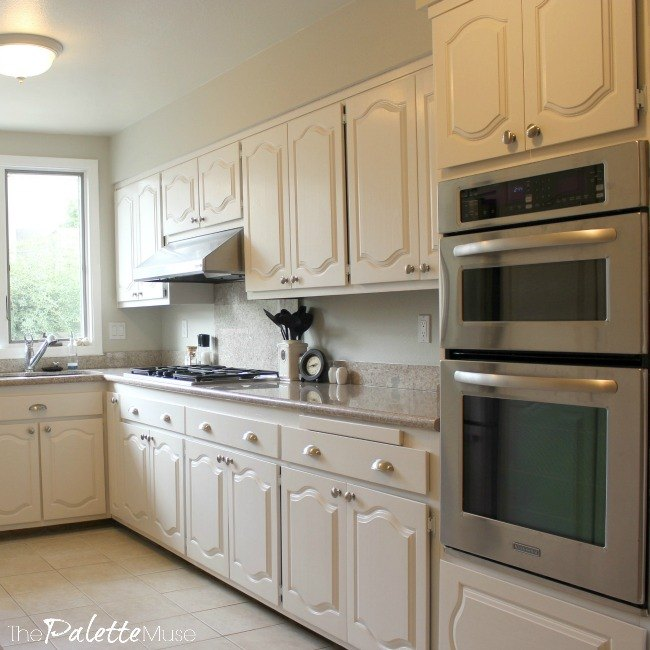 Paint kitchen cabinets pictures for What is the best way to paint kitchen cabinets white