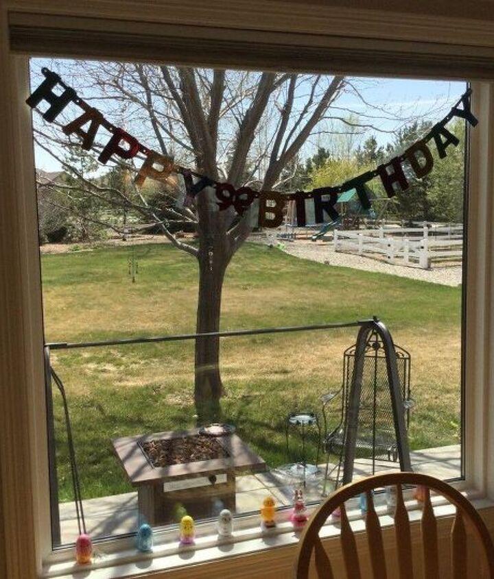 birthday wreath hanging banner tip