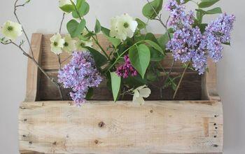 DIY Wood Pallet Shelf for Flowers