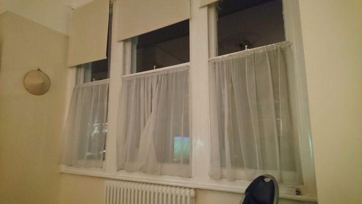 q need to replace these curtains please someone help find
